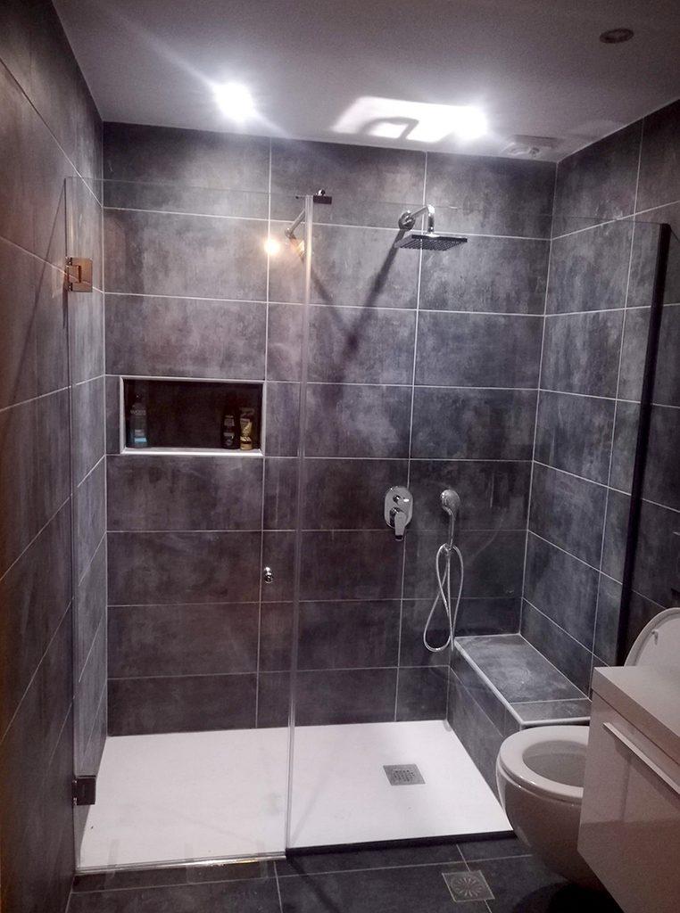 Ανακαίνιση μπάνιου στον Πειραιά