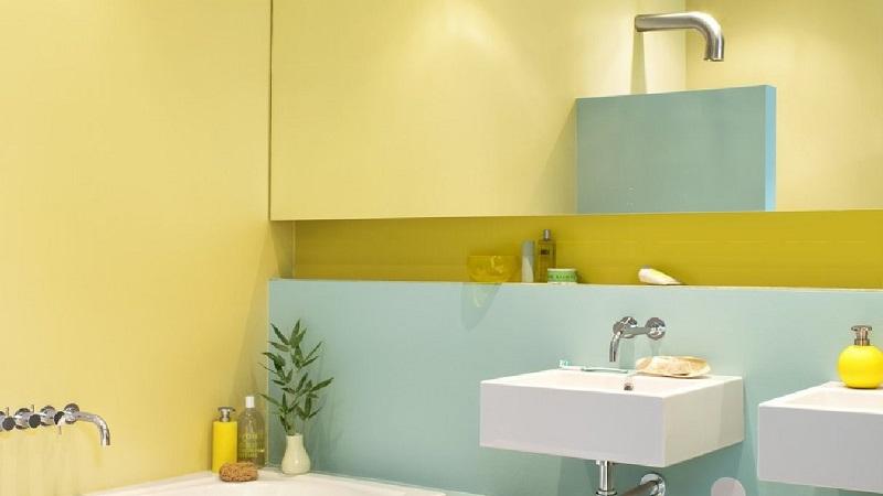 Βάψτε τον τοίχο με φωτεινά και ανοιχτά χρώματα