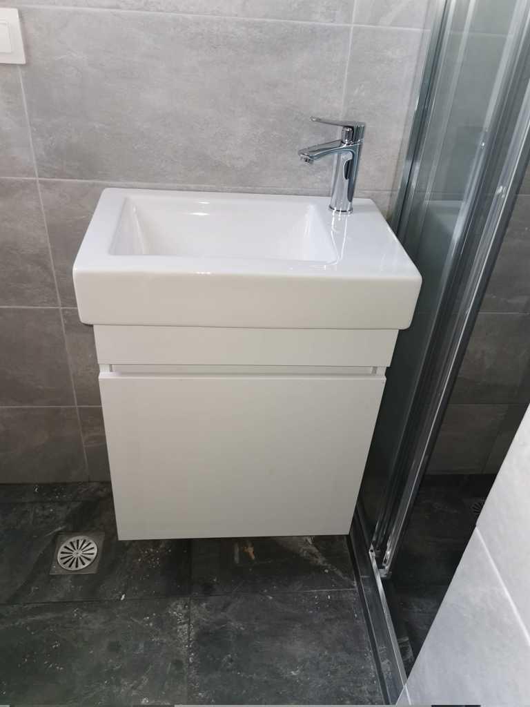 μικρο επιπλο μπανιου wc